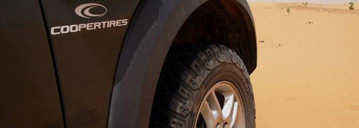 Neumáticos cooper tires jeep negro 4x4